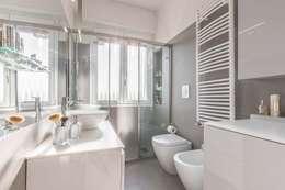 Projekty,  Łazienka zaprojektowane przez Facile Ristrutturare