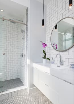 modern Bathroom by STUDIO Z