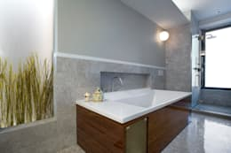 Empire State Loft, Koko Architecture + Design: modern Bathroom by Koko Architecture + Design