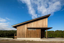 喜連川・桜ヶ丘の家: 中山大輔建築設計事務所/Nakayama Architectsが手掛けた廊下 & 玄関です。