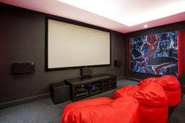 Phòng giải trí by FRANCOIS MARAIS ARCHITECTS