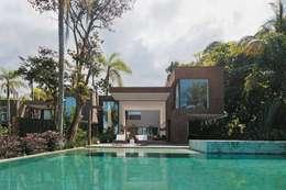 moderne Huizen door Casa Container Brasil