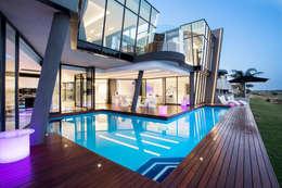ULTRA MODERN RESIDENCE: modern Pool by FRANCOIS MARAIS ARCHITECTS