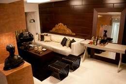 Salas de estilo clásico por Cris Nunes Arquiteta