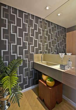 Baños de estilo moderno por Sgabello Interiores