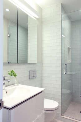 Chelsea Loft: modern Bathroom by Maletz Design