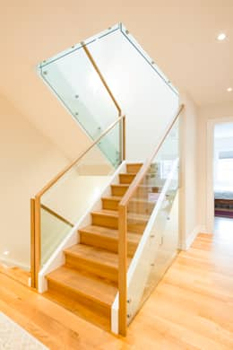 modern Corridor, hallway & stairs by Solares Architecture