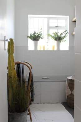 Paarl - Eclectic Country: eclectic Bathroom by kojabu