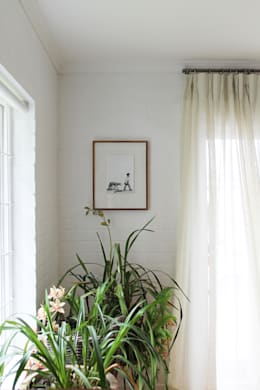Paarl - Eclectic Country: eclectic Living room by kojabu