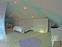 Damla SABUNCU  – Çatı Katı Yatak odası: modern tarz Çocuk Odası
