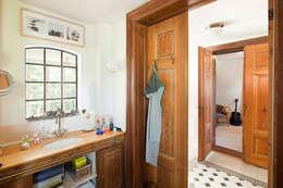 Baños de estilo clásico por Müllers Büro