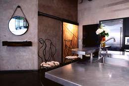 Brooklyn Loft - Kitchen: modern Kitchen by Joe Ginsberg