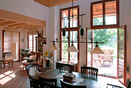Livings de estilo clásico por Müllers Büro