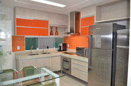 Nhà bếp by Cris Nunes Arquiteta