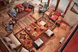 Butterfly Fields: rustic Living room by Nuvo Designs