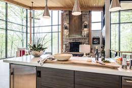 Projekty,  Kuchnia zaprojektowane przez BLDG Workshop Inc.