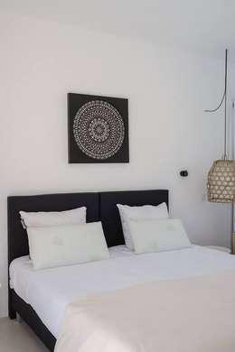 minimalistic Bedroom by studioarte