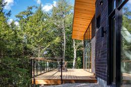 Terrace by Flynn Architect