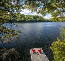 Lac St. Sixte Summer Residence:  Patios & Decks by Flynn Architect