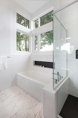 Baños de estilo moderno por Jane Thompson Architect