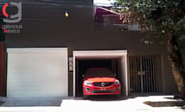 PERSIANA EUROPEA GAVIOTA DE SEGURIDAD ALUMINIO EXTRUSION PARA GARAJES: Garajes de estilo mediterraneo por GAVIOTA MEXICO