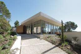 moderne Häuser von Adrien Champsaur Architecture
