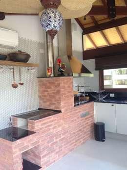 Cocinas de estilo  por RMS arquitetura e interiores