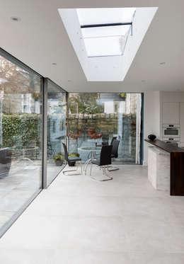 Столовые комнаты в . Автор – Trombe Ltd