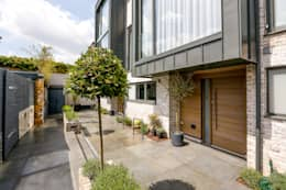 modern Houses by The Crawford Partnership