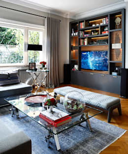Salas multimedia de estilo mediterráneo por Esra Kazmirci Mimarlik