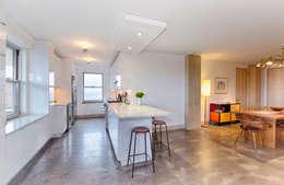Kitchen: modern Kitchen by Greg Colston Architect