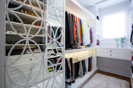 RESIDENCIAL 07: Closets modernos por Apê 102 Arquitetura