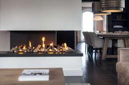 غرفة المعيشة تنفيذ Bob Romijnders Architectuur & Interieur
