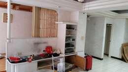裝修前的客廳:  客廳 by Green Leaf Interior青葉室內設計