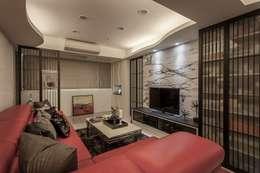 30坪老屋翻新:  客廳 by Green Leaf Interior青葉室內設計