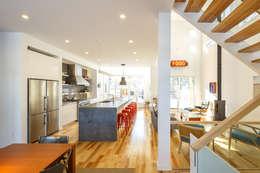 Ruang Makan by Linebox Studio