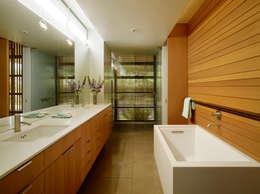 Phòng tắm by Aidlin Darling Design