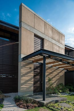 Ingreso principal: Casas de estilo moderno por arquitecturalternativa