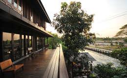 Baan Kong ( Grandfather's house):  ระเบียง, นอกชาน by บริษัท สถาปนิกชุมชนและสิ่งแวดล้อม อาศรมศิลป์ จำกัด