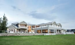 Projekty, kolonialne Domy zaprojektowane przez FRANCOIS MARAIS ARCHITECTS