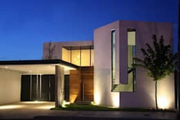Fachada principal: Casas de estilo industrial por Narda Davila arquitectura