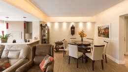 minimalistic Dining room by Kali Arquitetura