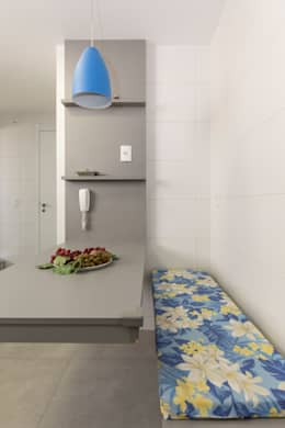 minimalistic Kitchen by Kali Arquitetura