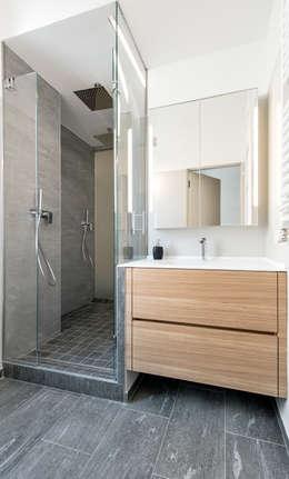 Baños de estilo escandinavo por Tommaso Giunchi Architect