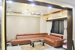 Residence of Mr Mukesh Shah: classic Living room by Sanchi Shah Interior Designer