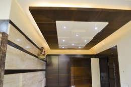 Residence of Mr Mukesh Shah:  Walls by Sanchi Shah Interior Designer