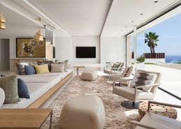 Roca Llisa: modern Living room by ARRCC