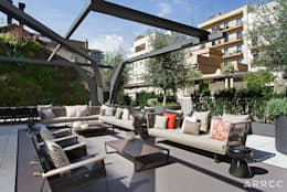 Barcelona Apartment:  Patios by ARRCC