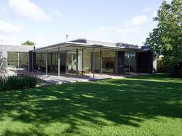 Projekty, nowoczesne Domy zaprojektowane przez Burckhardt Metall Glas GmbH