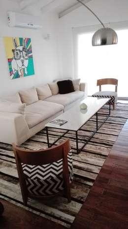 modern Living room by Cusco Custom Cuero